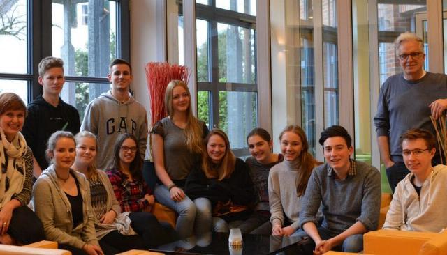 Gruppenbild aller Teilnehmenden von news4u